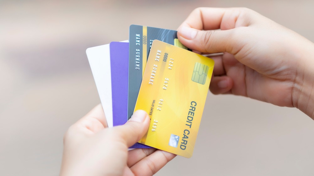What to Know Before Choosing the Right Credit Card for Financial Affairs